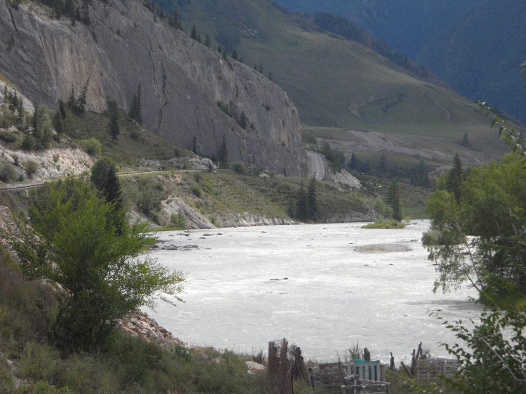 Чуйский тракт. Река Катунь.