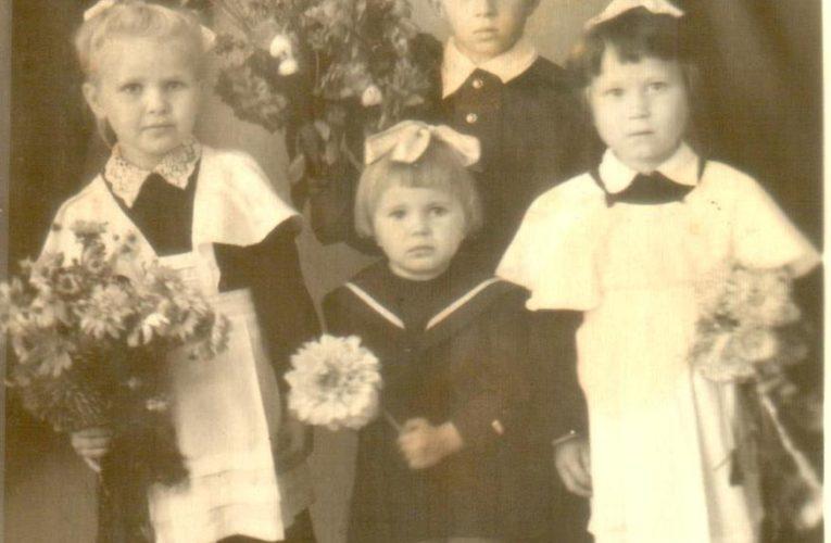 День Знаний (1 сентября)  в советской школе
