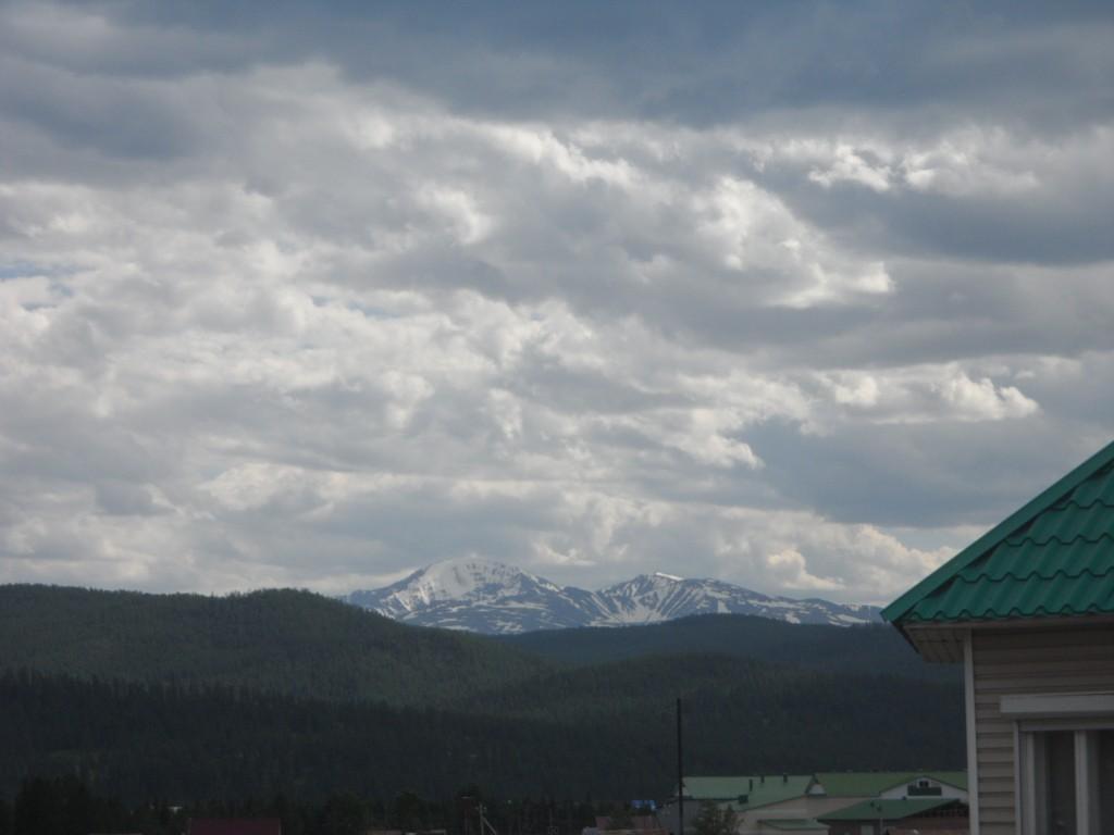 Небо и горы Улагана.