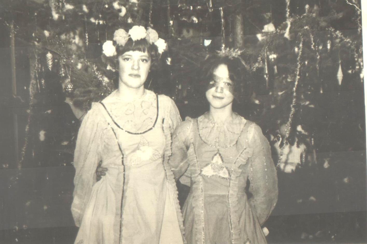"""Новогодние костюмы из серии """"Времена года"""": весна и осень, 1975 г."""