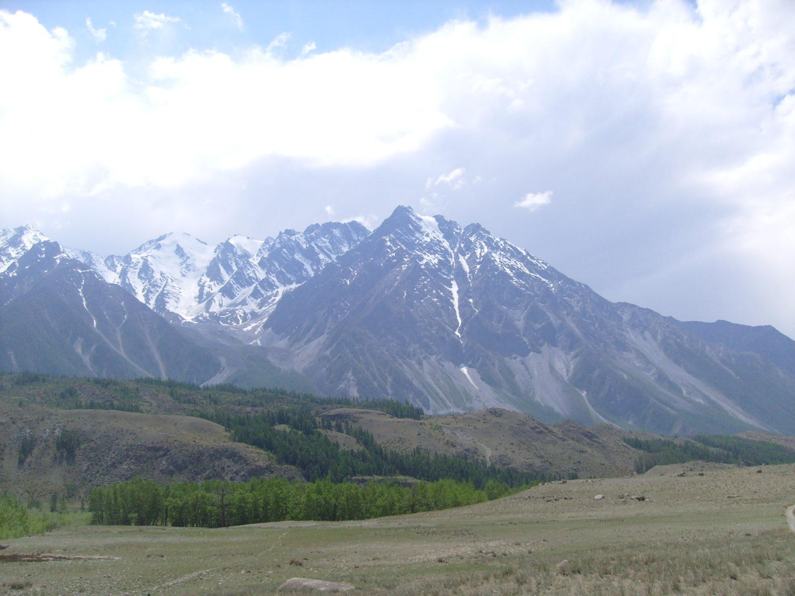 Алтай. Кош-Агачский район. Восточная оконечность Катунского хребта.